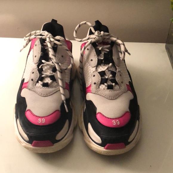 b0a27c275bd6 Balenciaga Shoes - RARE Balenciaga Triple S Size 39